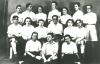 altes schwarz-weiß Gruppenfoto von Hashomer Hatzair, Selmas zionistischer Jugendgruppe: auf dem Bild seind auch Selma, ihre Freundinnen Renée und Else und Lejser Fichman zu sehen